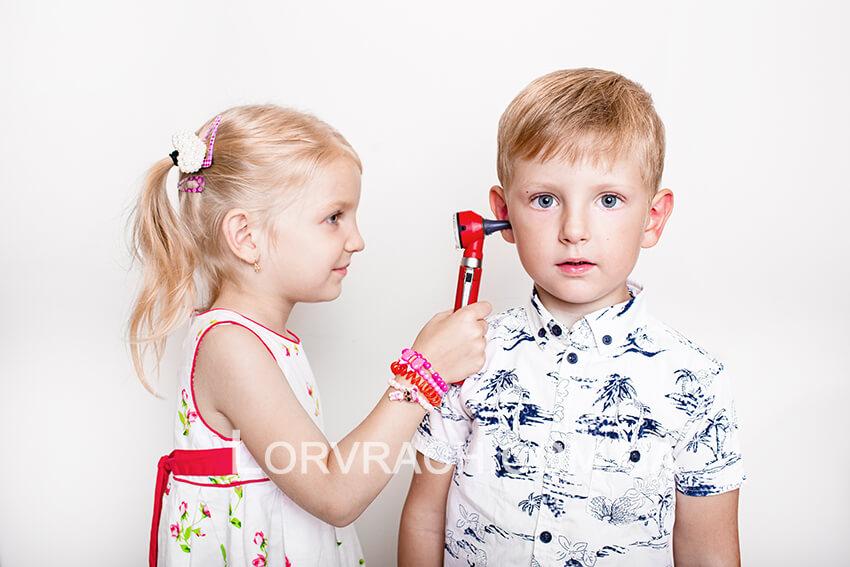 нарушение слуха у детей разного возроста фото