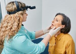 Розтин фурункула носа і перев'язка післяопераційної рани